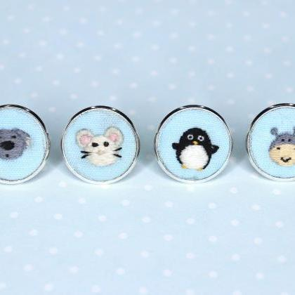 Miniature embroidery pin Koala broo..
