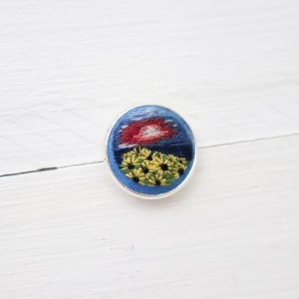 Miniature embroidery pin Sunflower ..