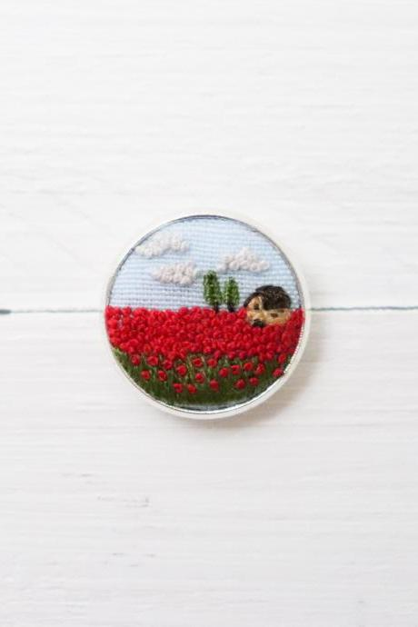 Miniature embroidery pin Poppy brooch Poppy pin Embroidery pin Hand embroidery Embroidered pin Poppy collar pin Floral pin Landscape pin