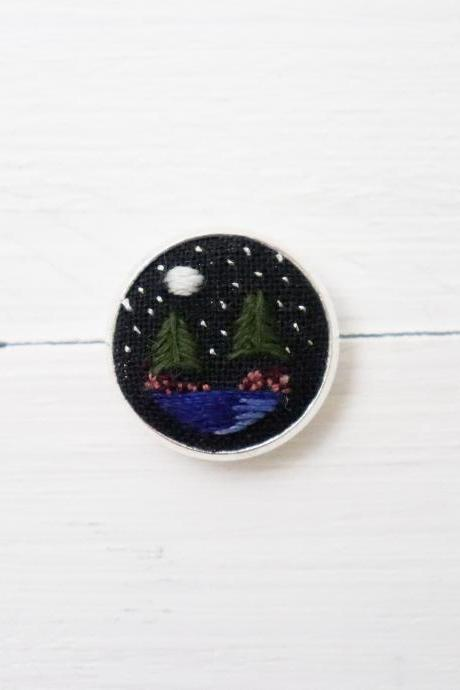 Miniature embroidery pin Night forest brooch Night forest pin Embroidery pin Hand embroidery Embroidered pin Night sky collar pin Forest pin