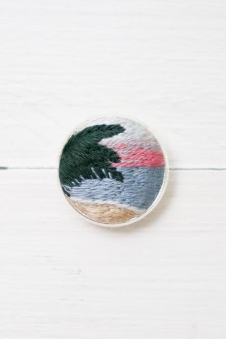 Miniature embroidery pin Sunrise brooch Sunrise pin Embroidery pin Hand embroidery Embroidered pin Embroidered brooch Sunset pin Collar pin
