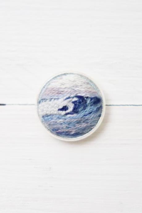 Miniature embroidery pin Wave brooch Wave pin Embroidery pin Hand embroidery Embroidered pin Sea pin Ocean pin Sea brooch Wave collar pin
