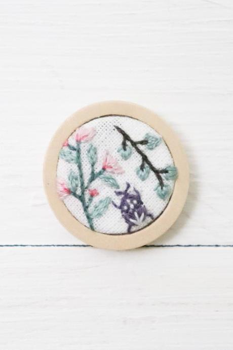 Miniature embroidery pin Floral brooch Floral pin Embroidery brooch Hand embroidery Embroidered pin Embroidered brooch Flower pin