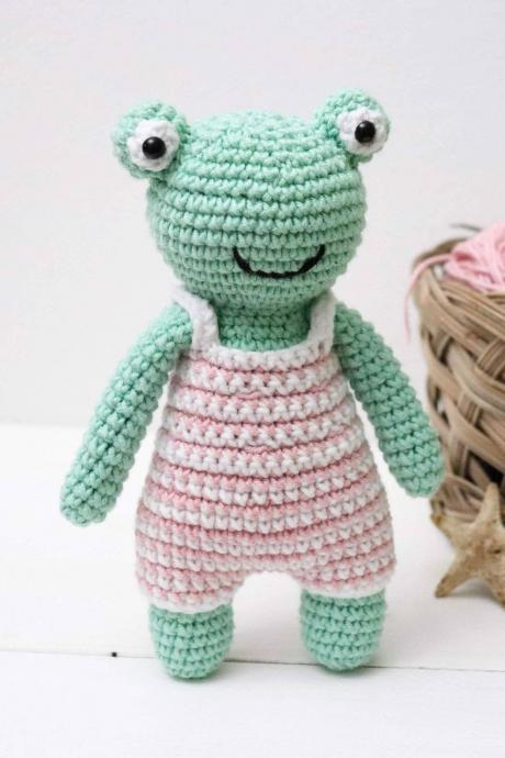 Amigurumi frog Crochet frog Plush frog Baby soft toy Frog toy Baby shower gift
