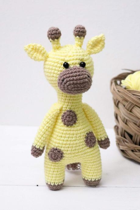 Amigurumi giraffe Crochet giraffe Plush giraffe Stuffed giraffe toy Crochet animal Baby soft toy Newborn baby gift Baby shower gift