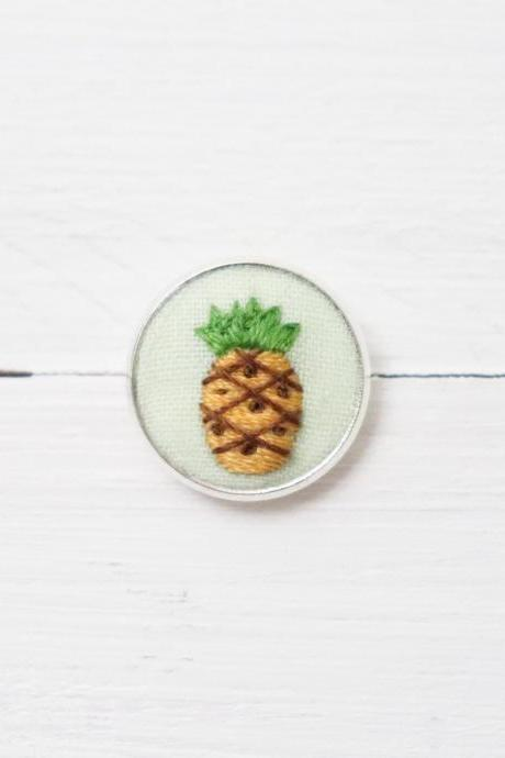Miniature embroidery pin Pineapple brooch Pineapple pin Embroidery pin Hand embroidery Embroidered pin Pineapple collar pin